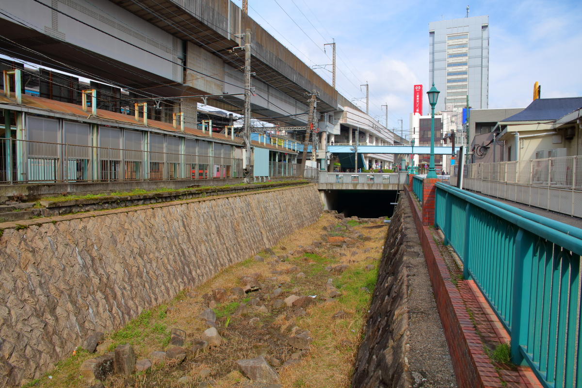 http://y-ok.com/musashino/yamanote_daiti/image/YOKL4360.JPG